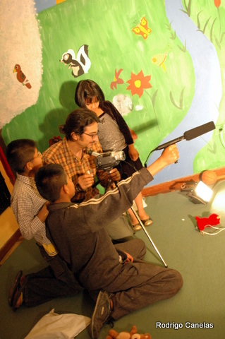 To help Alberto de Rosa in his beautiful project of making a movie with the kids of an Orphanage in Peru, Arequipa. The objective was to give them the experience how is to be an actor and how to make a movie.